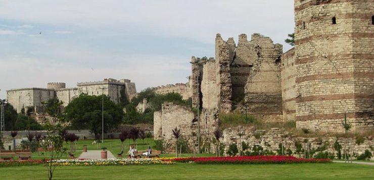 أسوار إسطنبول.. شاهد على عراقة المدينة على مر العصور
