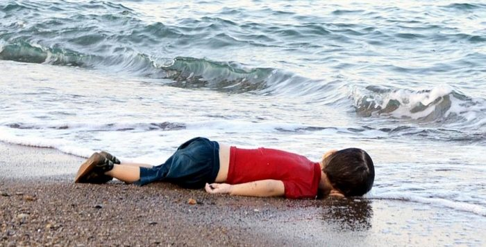 حزب ألماني يستخدم صورة الطفل «إيلان كردي» في دعاية انتخابية ساخرة