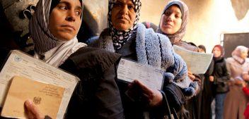 المعارضة السورية تسلم دي مستورا رسائل عن قطع المساعدات في لبنان